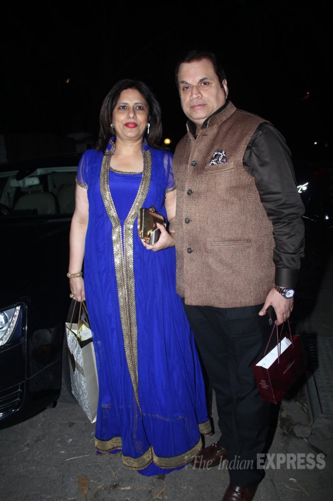Ramesh Taruni with his wife at Kundra's party