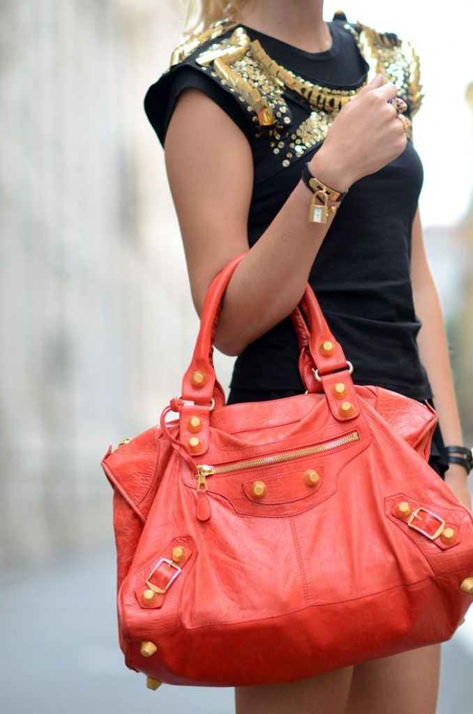 Tear Down The Best Information About Luxury Females'S Bag