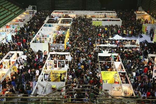 hyderabad-comic-con-crowd