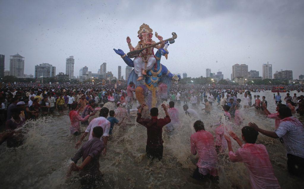 juhu-Ganesh-Visarjan