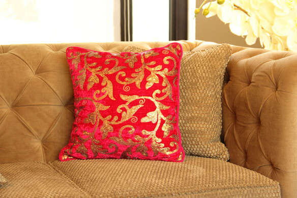 banarasi-cushion-cover