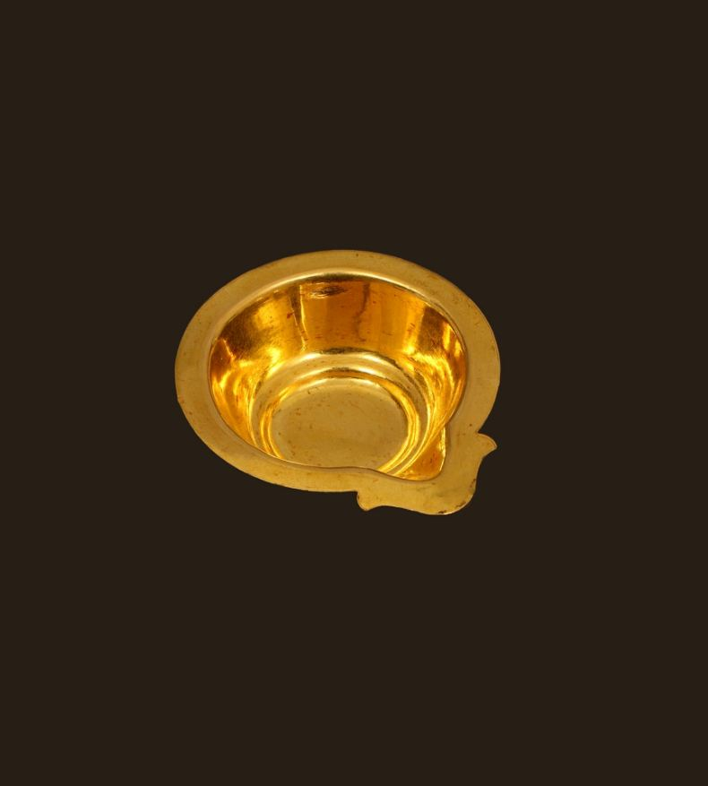 gold-diya-diwali