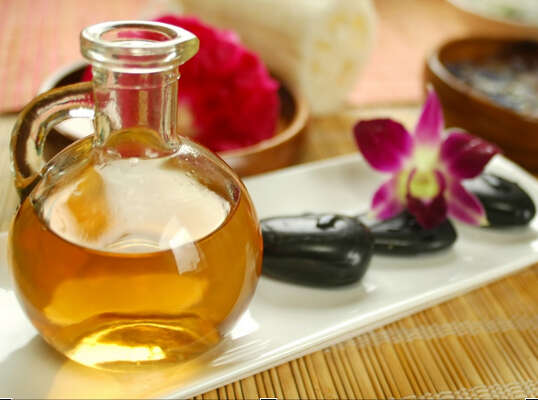 oil-massage-for-soft-best skin remedies