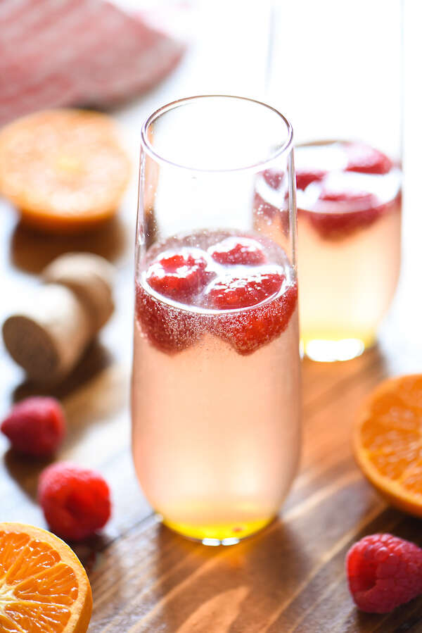 refreshing-drinks-for-Christmas-Raspberry-Martini-Fizz