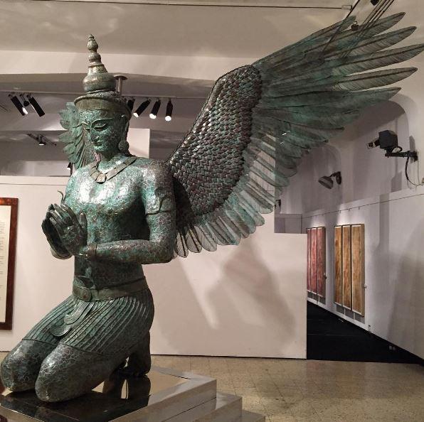 places-to-visit-in-mumbai-jehangir-art-gallery