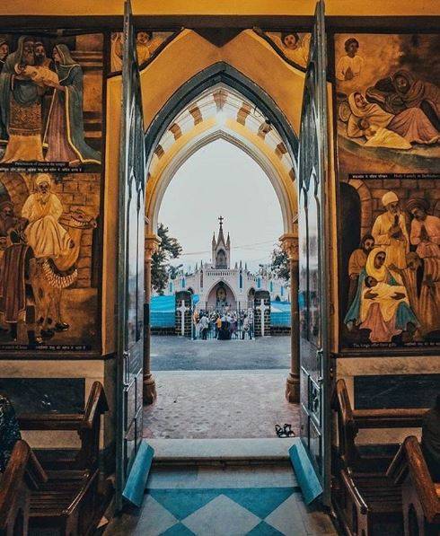 places-to-visit-in-mumbai-mount-mary-church