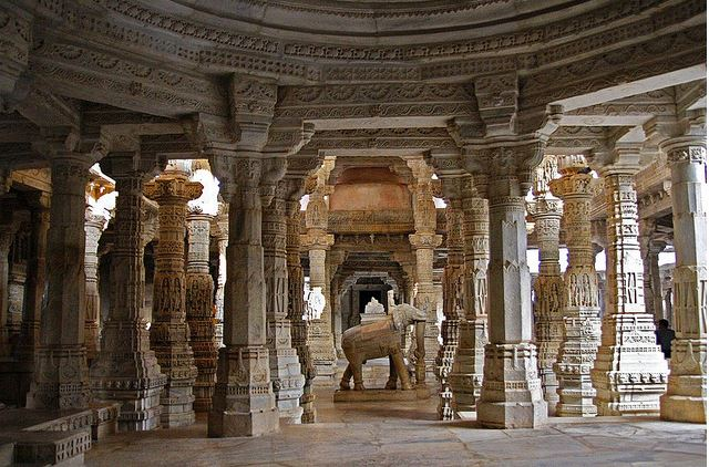 religious-travel-destinations-india-ranakpur-jain-temple