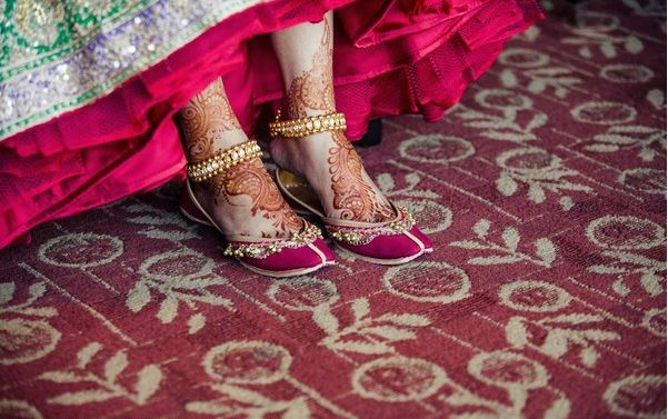 saree-draping-styles-footwear