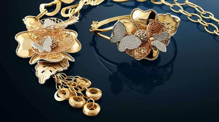 saree-draping-styles-jewelry