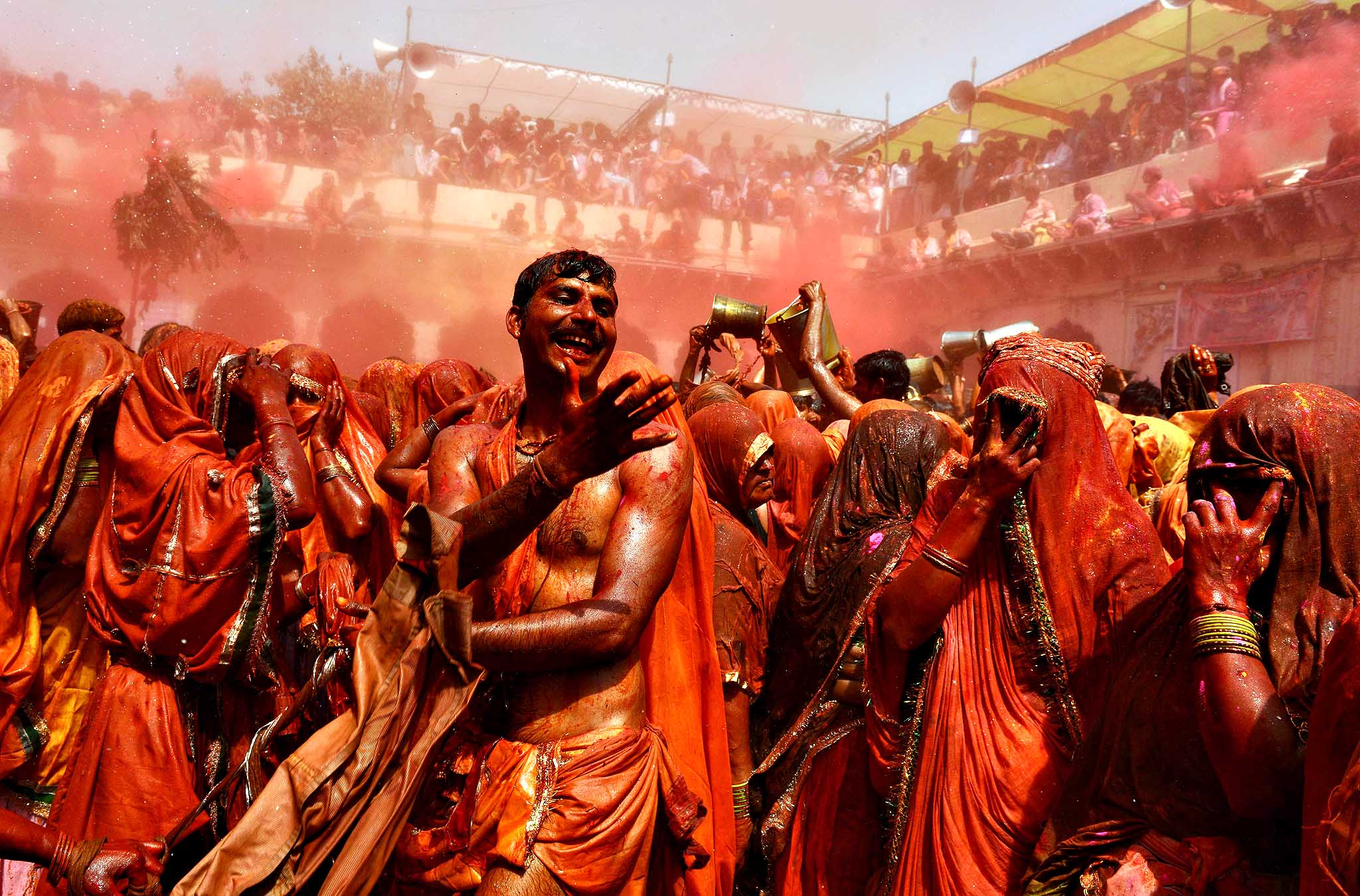 mathura holi celebration huranga dauji