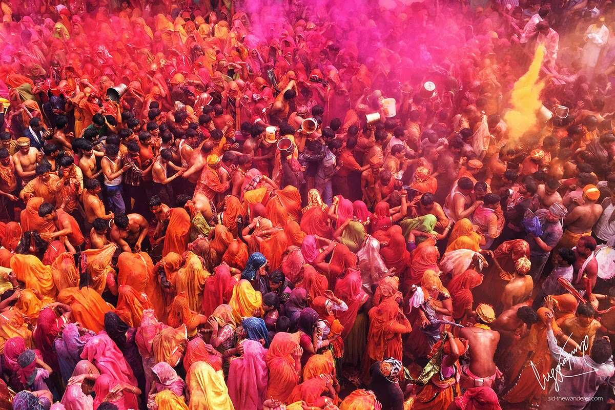 mathura holi celebration procession