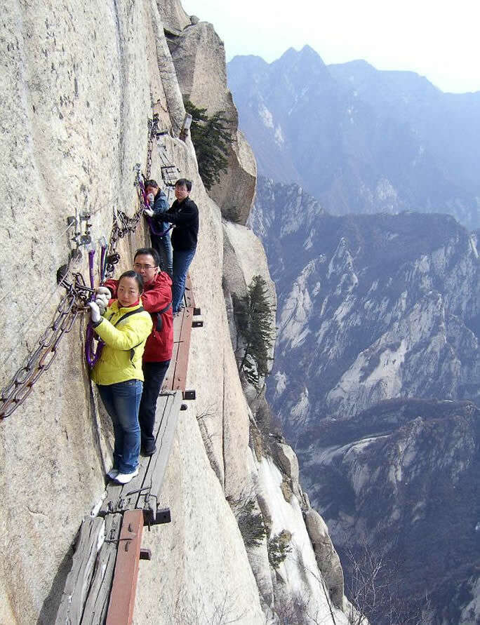 mt huashan path of death trail most insane photos