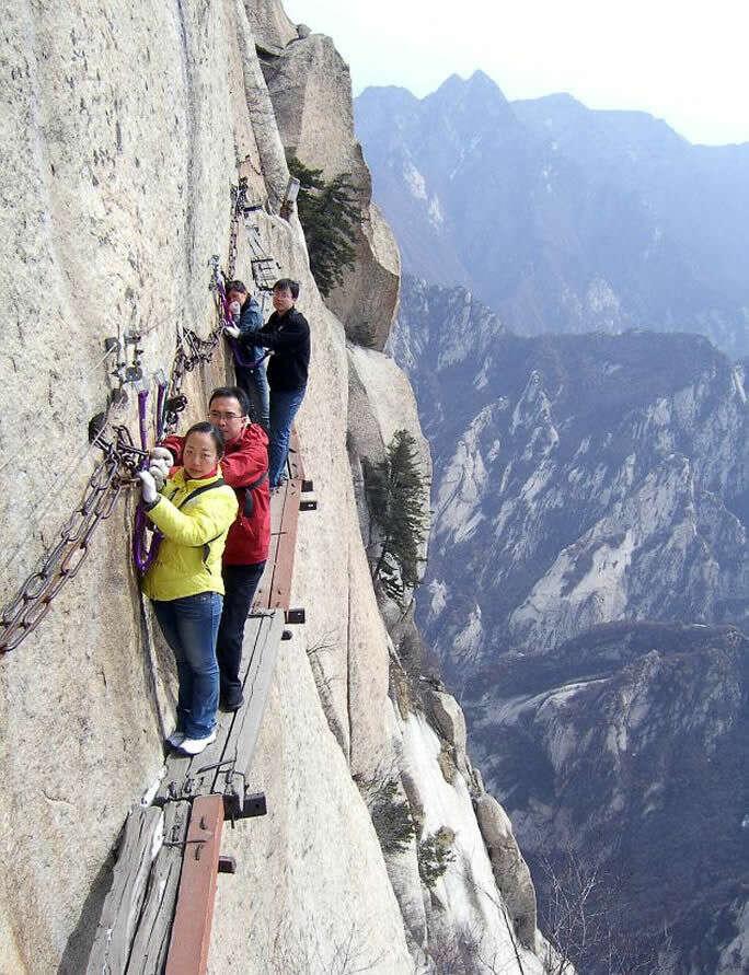 mt huashan path of death trail most insane photos