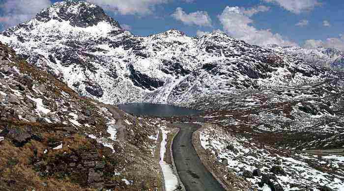nathula pass road trips in india