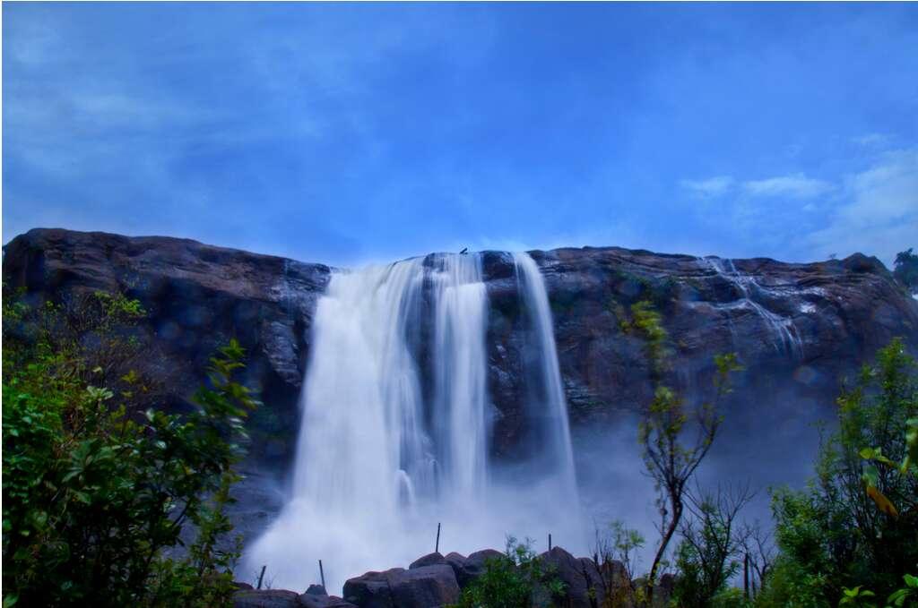 Athirapally Kerala 10 breataking waterfalls india
