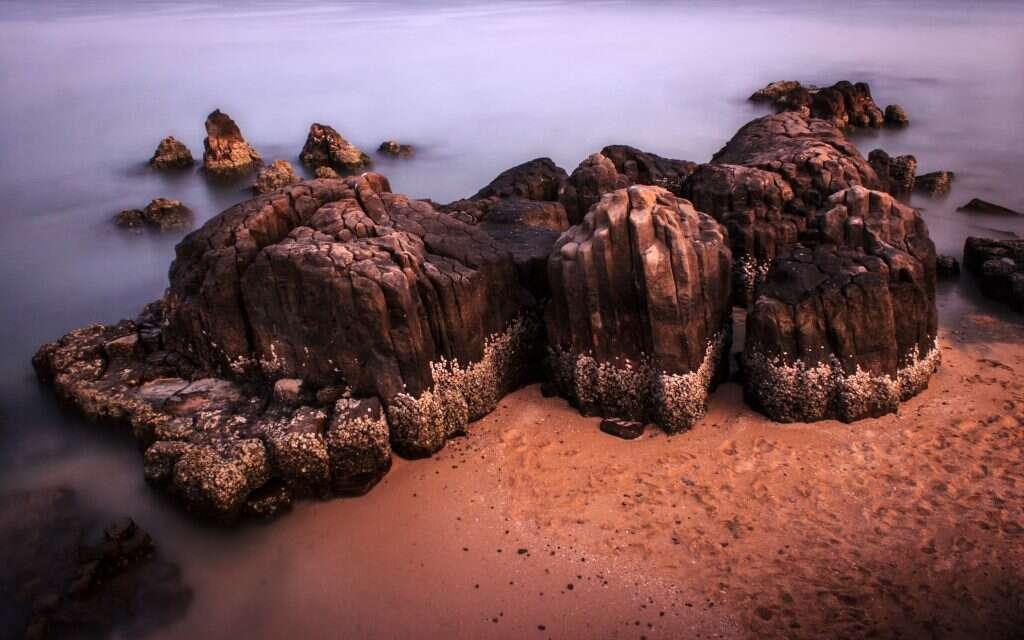 Columnar Basaltic lava 15 incredible natural wonders of india