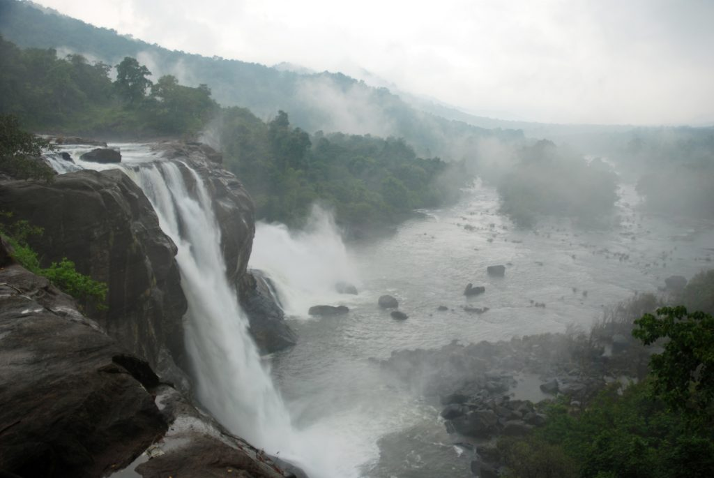 athirapally 10 breataking waterfalls india