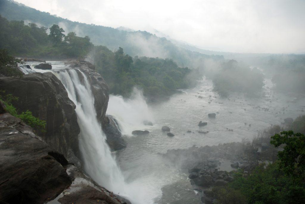 athirapally 10 breataking waterfalls india