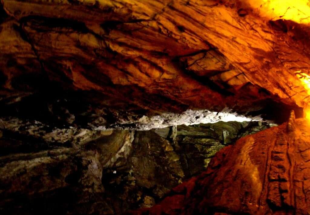 borra-caves-15 incredible natural wonders of india