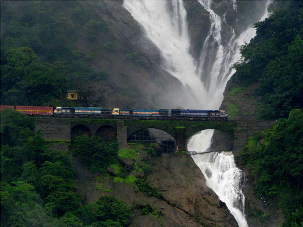doodhsagar goa 10 breathtaking waterfalls-india