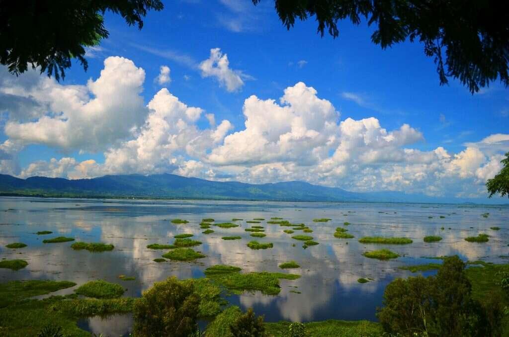 loktak lake 15 incredible natural wonders of india