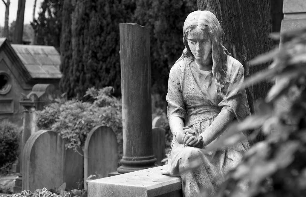 10 offbeat places in rome cimitero acattolico testaccio