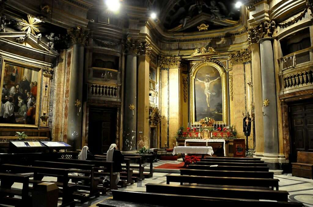 10 offbeat places in rome santa maria dell orazione e morte church interior