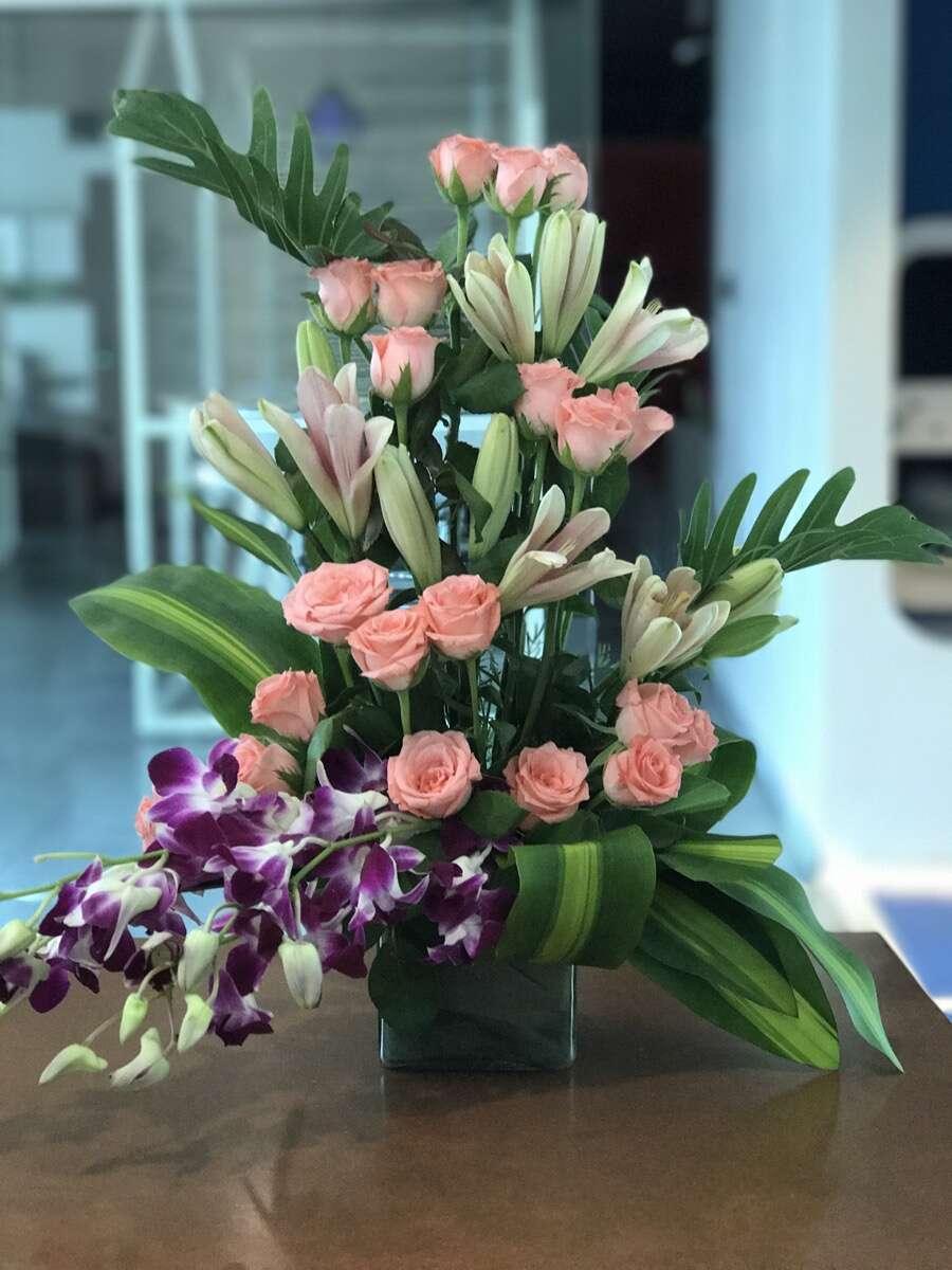 3 Simple DIY Mothers Day Floral Arrangement Ideas!